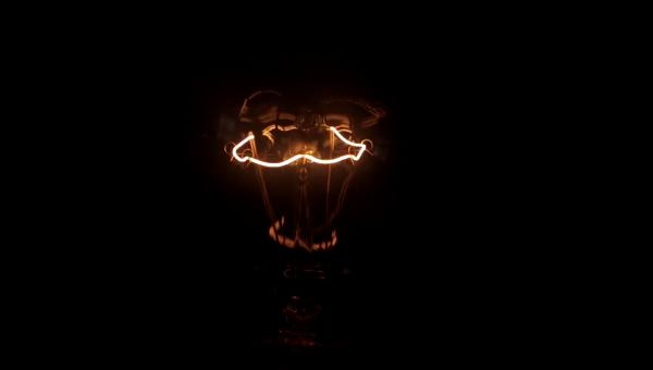 Light サムネイル
